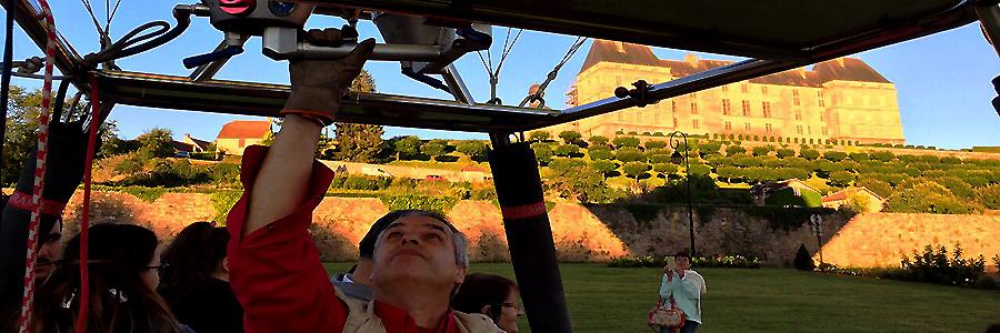 Montgolfiere devant le chateau